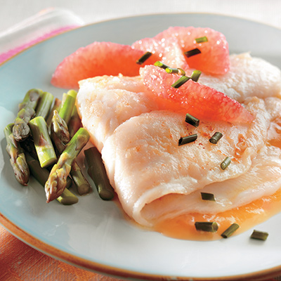 Pangasius fillets with maple syrup and grapefruit