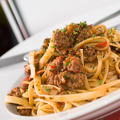 Seasoned Ground Veal Linguini with Tomato Sauce